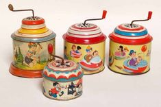 Best ever retro kitsch vintage children's toys, the tinkle tinkle, I often carry one of these around with me in my bag, it's great stress relief Muziekdoosje