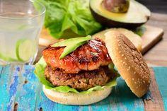 Crispy Baked Chicken, Baked Chicken Recipes, Hamburger Recipes, Egg Burger, Ground Meat Recipes, Homemade Burgers, Good Food, Yummy Food, Gourmet Burgers