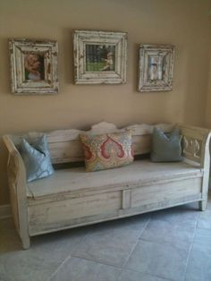 Shabby chic bench with matching frames, colorful pillows ... just needs a cushion, then perfect!!!
