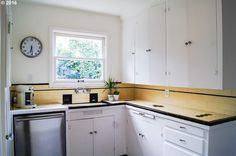 3945 SE 34th Ave, Portland, OR 97202 | MLS #16331673 | Zillow