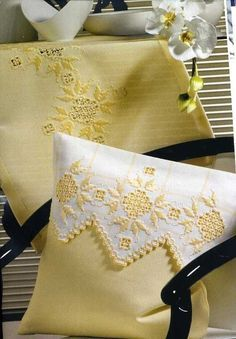 Hardanger Embroidery, Hand Embroidery, Embroidery Designs, Broderie Simple, Yellow Cottage, Drawn Thread, Linens And Lace, Shades Of Yellow, Pastel Yellow