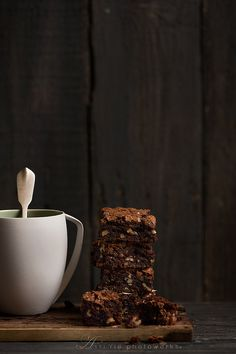 Chocolate Chip Cookie n' Oreo Fudge Brownie Bar Mint Chocolate Chip Cookies, Chocolate Fudge Brownies, Brownie Bar, Birthday Cake Fudge, Gula, Muffins, Mocca, Health Desserts, Dessert Bars
