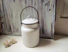 Casale rustico bianco smalto latte brocca, contenitore del latte del metallo, Agriturismo francese, cucina di campagna, contenitore di metallo