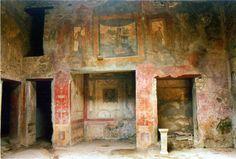 Pompeii decayed decadence