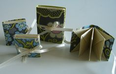 Little bitty, teeny tiny books by lnoteboom, via Flickr. Blizzard book binding by Hedi Kyle. I want to make some more of these!
