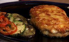 Receita de escalope de frango Cordon Bleu acompanhado de Confit de legumes bayaldi preparado pelo chef Olivier Anquier.