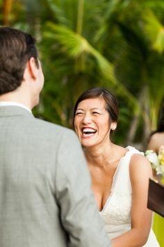 ♥♥♥  9 fotos que você PRECISA tirar na cerimônia de casamento Seguindo a nossa tradição de indicar poses lindonas para vocês clicarem durante o casamento, hoje fomos em busca de momentos que vocês dois não p... http://www.casareumbarato.com.br/9-fotos-que-voce-precisa-tirar-na-cerimonia-de-casamento/