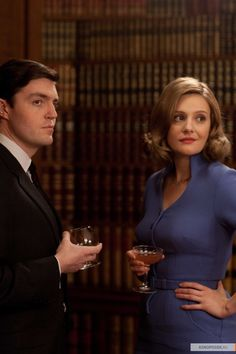 Bill Kendall and Bel Rowley - Tom Burke and Romola Garai in The Hour, set in 1956/1957 (TV series 2011-2012).
