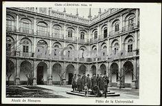 Foto antigua de Patio de la Universidad de Alcalá de Henares (Madrid)