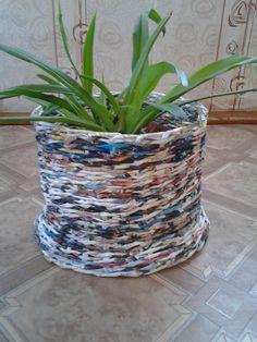 Плетение из лозы, это старый и интересный вид творчества. В современном мире его заменили на плетение из бумажных трубочек, что является ...