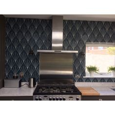 Phenomenal concepts to take a look at Diy Kitchen Decor, Studio Kitchenette, Bathrooms Remodel, Remodel, Cement Tile, Tile Care, Cool Diy Projects, Hexagon Tiles, Wood Burning Stove