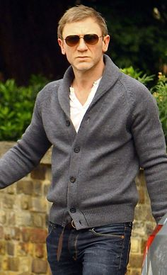 Men's Cardigan Sweaters - A Man's Guide To The Cardigan Sweater
