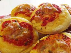 Aperitivo fai da te: risparmio e bontà con le pizzette fatte in casa