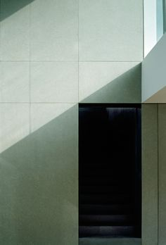Sober architectural lines in Antwerp by architect Vincent van Duysen Architecture Details, Interior Architecture, Interior Design, Vincent Van Duysen, Carlo Scarpa, Minimalist Interior, Light And Shadow, Sober, Home Projects
