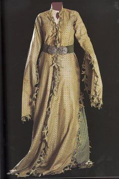 "Èntari, the end of 19 century. Original taken from marmara_calypso in Ottoman Turkish women's dresses women's dresses ""èntari"" was x-shaped silhouette, hinged on the center of the waist line."