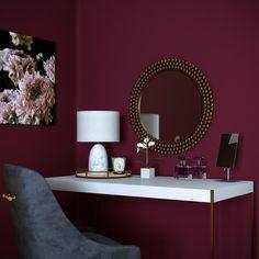 Here's How to Get the Look of Your Favorite Monterey Interiors from 'Big Little Lies': gallery image 5 Red Bedroom Walls, Room Design Bedroom, Bedroom Wall Colors, Paint Colors For Living Room, Home Room Design, Home Decor Bedroom, Interior Wall Colors, Purple Bedrooms, Burgundy Bedroom