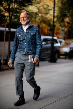 New York Fashion, Old Man Fashion, Grey Fashion, Fashion Week, Denim Fashion, Look Fashion, Fashion Shirts, Fashion Blogs, Fashion Outfits