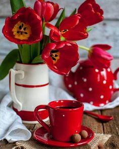 Good Morning Coffee, Happy Morning, Coffee Break, Tea And Books, Beautiful Rose Flowers, Espresso Cups, Coffee Cafe, My Favorite Color, Tea Cups