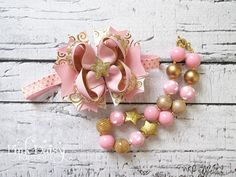 Bow & Necklace Set. Light Pink, Gold Twinkle Star Stacked Boutique Bow + Chunky Beaded Toddler Necklace Set. Birthday,Cake Smash Accessories by ThePinkDaisyBoutique on Etsy https://www.etsy.com/listing/213082897/bow-necklace-set-light-pink-gold-twinkle