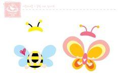 안녕하세요~ ^^ 새학기라 어린이집, 유치원쌤들 모두 바쁘시죠~? 이번에 도우미판이랑 출석판 만들때 쓸라... Birthday Charts, Diy And Crafts, Paper Crafts, School Displays, Bee Party, Butterfly Party, Train Party, Cute Cartoon Animals, Guache