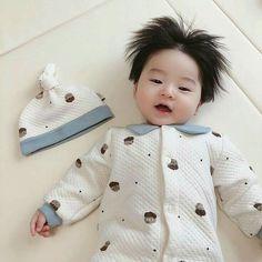 Dad Baby, Cute Baby Boy, Cute Little Baby, Mom And Baby, Little Babies, Cute Kids, Baby Kids, Cute Asian Babies, Korean Babies