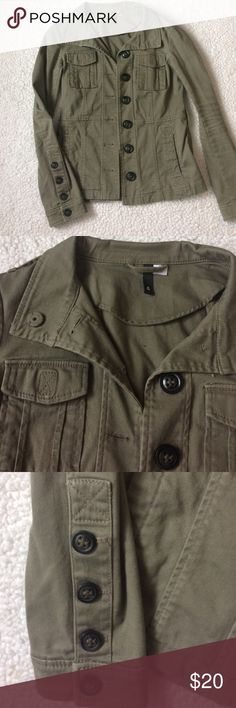 H&M Olive Military Green Jacket Very cute small-medium jacket from H&M. Worn very few times, extra buttons sewn inside. Small mark inside jacket (pictured) unseen from outside. Excellent condition! H&M Jackets & Coats Utility Jackets