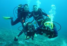 Bali Travel Vacations – PADI Open Water Diving, PADI Scuba Diving Course is the next level of Diving course from latest diving course within 2 days (short program). Find out how the beauty of Bali island underwater in Tulamben, Amed, Nusa Dua, Menjangan island, padang bay, and another diving spot in Bali