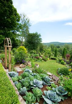 Garden Types This Mixed Flower and Vegetable Garden Beautifully Breaks All the Rules – Gardening Garden Types, Garden Paths, Garden Beds, Hillside Garden, Potager Garden, Garden Sofa, Garden Guide, Garden Edging, Garden Care