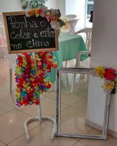 23 Clever DIY Christmas Decoration Ideas By Crafty Panda Aloha Party, Tiki Party, Hawaiian Birthday, Moana Birthday, Christmas Decorations To Make, Christmas Diy, Moana Party, Graduation Party Decor, Flamingo Party