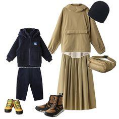 紅葉もそろそろ見ごろを迎えますね。家族で山へお出かけに、親子コーデをご紹介。ワントーンコーデにシューズや小物で差し色をプラスして、シックにしてみました。「ヘリーハンセン」のアノラックとスカートは撥水加工がほどこされている機能素材で軽い雨の日にも対応。定番人気のファイバーパイルジャケットはキッズサイズも入荷中です。足元は悪天候にも対応する「コロンビア」の防水シューズで完全装備! 山へのおでかけもおしゃれすればもっと楽しくなりそう。