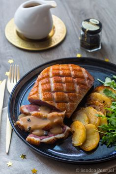 Duck Breast in a Perigueux Sauce with Truffles and Fontant Potatoes. Duck Breast Recipe, Duck Recipes, Date Dinner, Foie Gras, Diet Breakfast, Vegetable Dishes, Pot Roast, Thanksgiving Recipes, Food For Thought