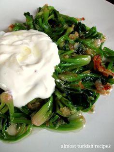 Almost Turkish Recipes: Spinach Stem Salad (Ispanak Kökü Salatası) Yummy Vegetable Recipes, Spinach Recipes, Salad Recipes, Healthy Recipes, Easy Recipes, Turkish Mezze, Turkish Salad, Food Meaning, Christine's Recipe