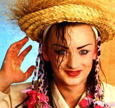 See Boy George pictures, photo shoots, and listen online to the latest music. Boy George, King George, Tears For Fears, Culture Club, Kpop, Latest Music, Beautiful Eyes, Singer, Photoshoot