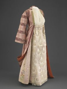 fashionsfromhistory: Married Woman's Ensemble Early Century Salonika, Greece Israel Museum Israel Museum, Kaftan Style, Evolution Of Fashion, Married Woman, Traditional Looks, Dance Costumes, Greek Costumes, Folk Costume, Historical Clothing