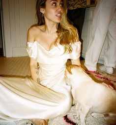 Miley Cyrus cuddles with mom Tish in behind-the-scenes wedding photos Miley Cyrus Wedding, Wedding Dress Styles, Wedding Gowns, Lgbt, Yes To The Dress, Boho Wedding, Wedding Shit, Strapless Dress Formal, Festivals
