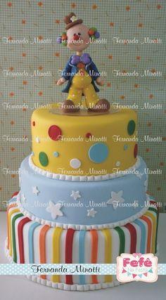 BOLO CENOGRÁFICO GRAN CIRCUS Circus Birthday, Birthday Parties, Birthday Cake, Bolo Fake, Fondant, Biscuits, Cake Decorating, Party, Desserts