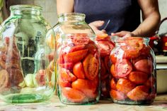 Chutné rajčiny na zimu - SUPERBABKY Pickles, Cucumber, Frozen, Stuffed Peppers, Vegetables, Cooking, Food, Kitchen, Stuffed Pepper