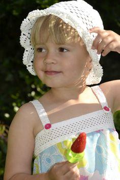 klobucik od tety zuzany a satecky odo mna...