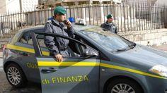 Trovata droga nella ruota di scorta: arrestata coppia di spacciatori in Autogrill