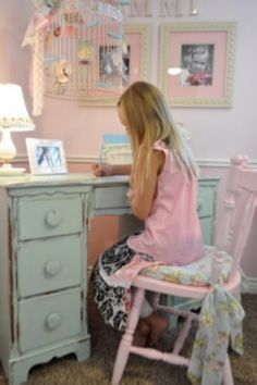 Studio 5 - Create a Shabby Chic Bedroom