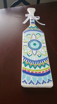 This is for a custom made to order hand painted paddle! I will change the colors of this to anything youd like just add the details in the