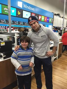 Henry Cavill poses for fan pics in Deming and El Paso