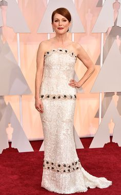 Julianne Moore in Chanel at the Academy Awards 2015 | #2015Oscars #redcarpet #bestdressed
