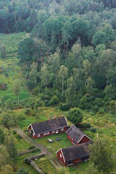Modern 18th-century farmhouse in Sweden