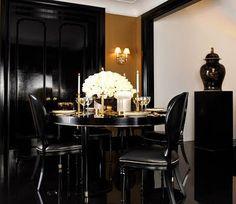 Black and gold de casas design and decoration interior decorators Interior Design Inspiration, Home Interior Design, Interior Decorating, Gold Interior, Interior Ideas, Modern Interior, Decorating Ideas, Decor Ideas, Rooms Ideas