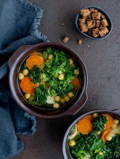 Pożywna zupa z jarmużem Food Presentation, Palak Paneer, Ethnic Recipes, Food Plating