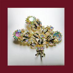 Vintage Hollycraft Magnificent aurora borealis brooch. SIgned HOLLYCRAFT
