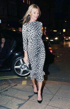 Kate Moss - in sweet leopard dress Estilo Kate Moss, Moss Fashion, Kate Moss Style, Looks Street Style, Leopard Dress, Cheetah, White Leopard, Snow Leopard, Kirsten Dunst