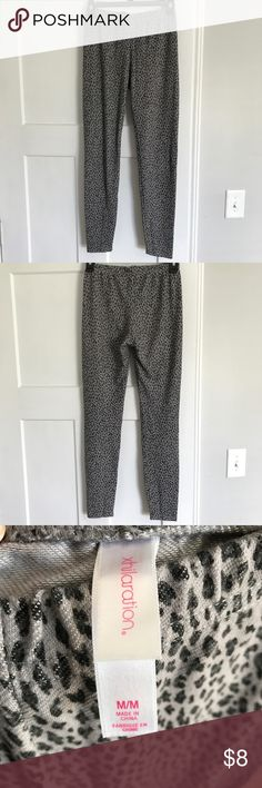Xhilaration Leggings, Size M Xhilaration Leopard Print Leggings, Size M Xhilaration Pants Leggings