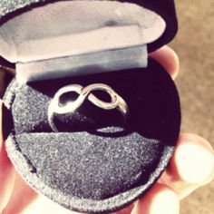 Infinity ring. I definitely want this..